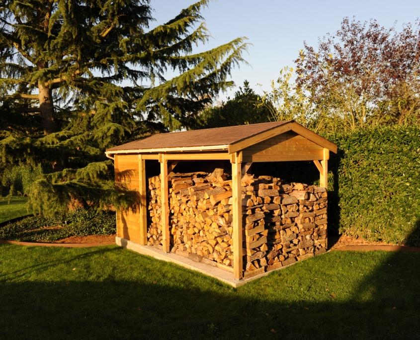 Bûcher-maisonelle-abri-jardin-bois
